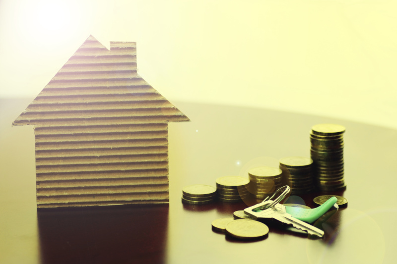 real estate keys paper house