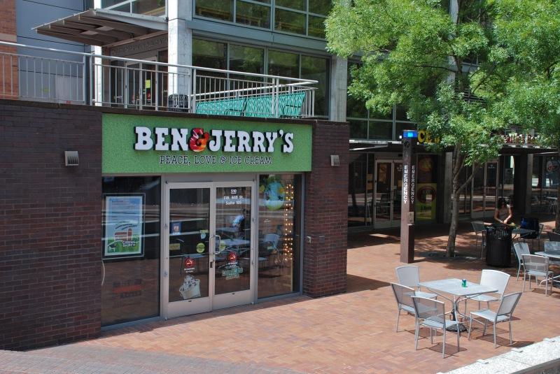 Ben_&_Jerry's_shop_at_the_Urban_Center_Plaza,_Portland_State_University
